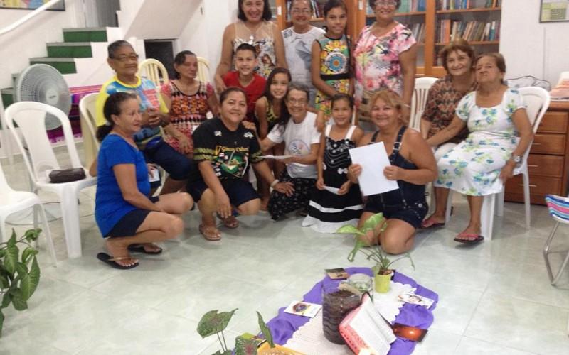 Comunidade Bem Aventurada em Manaus, reune comunidade para rezar e refletir sobre a Campanha da Fraternidade 2016.