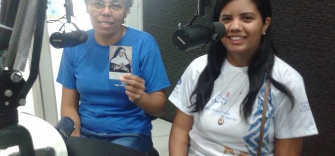 Aspirantes e noviça da Comunidade de Picos, em entrevista a rádio FM.